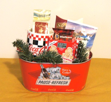 Give Me A E This Authentic Tin Makes Great Gift For The Lover On You Giving List To We Ve Added Coffee Mug And One Pot